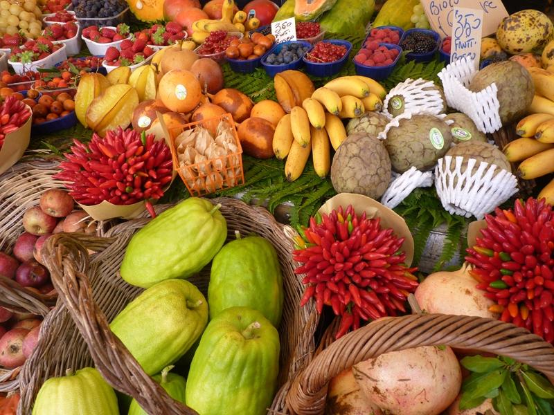 fbf5aeb1b9904 Frutta esotica a Campo de Fiori